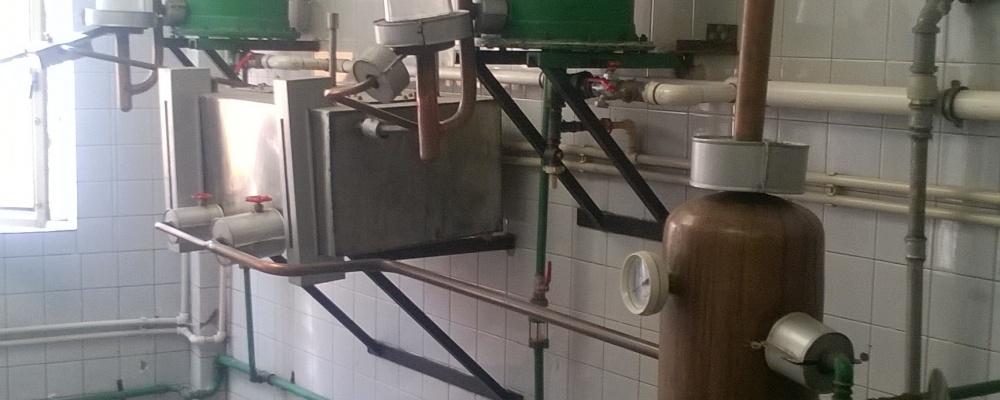 1 komplet Second-hand zařízení pálenice 300/150 litrů, tuhá paliva
