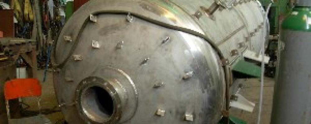 Tlaková nádoba - prodloužení rektifikační kolony - TTD Dobrovice