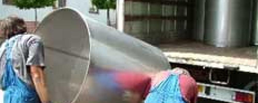 Výroba 41 ks nerezová nádoba s výstužným kruhem 1000 litrů