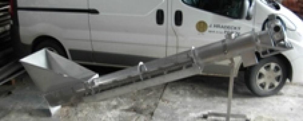 Nerezový dopravník - odpeckovač výpalků