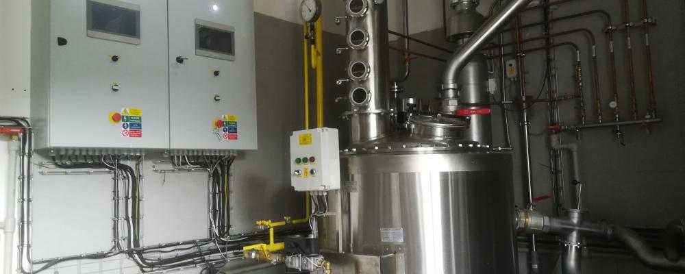 HOMBRES Distillery, Hostouň - ovládací panely